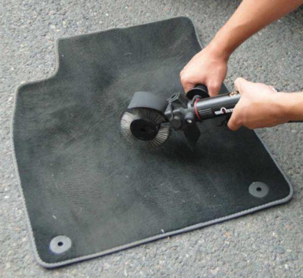 Nettoyage tapis auto - Brosseuse pro